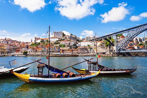 shutterstock_479647627_Portugal_Porto_Fluss_Boote_500.jpg