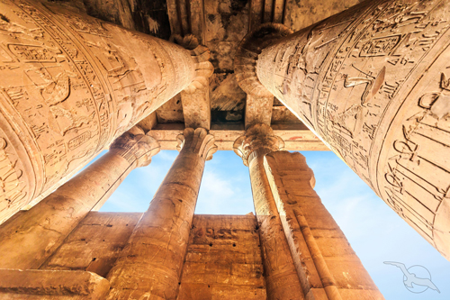 shutterstock_547427260_Aegypten_Edfu_Horus_Tempel_Saeulen_500.jpg