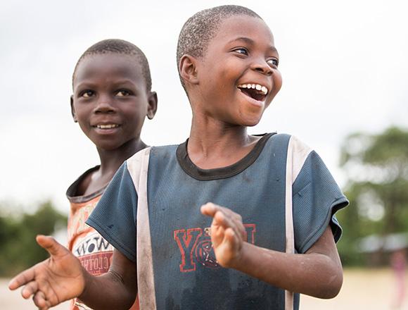 Kinder in einer Schule am Liwonde Nationalpark